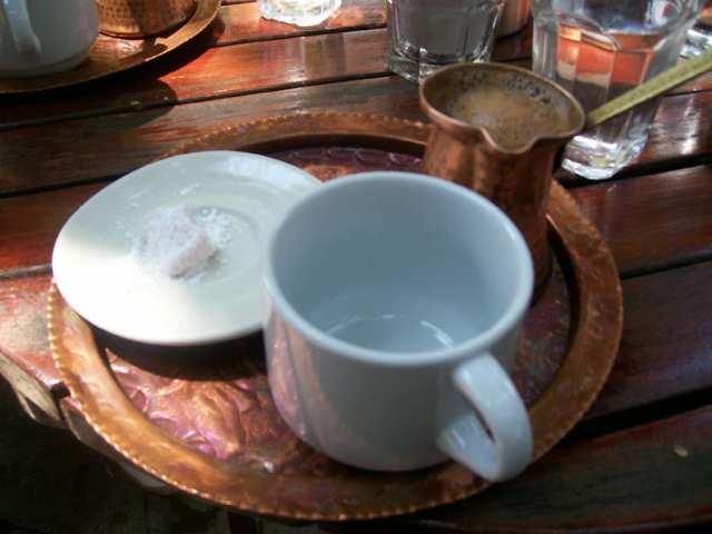 Греческий кофе с попугаем