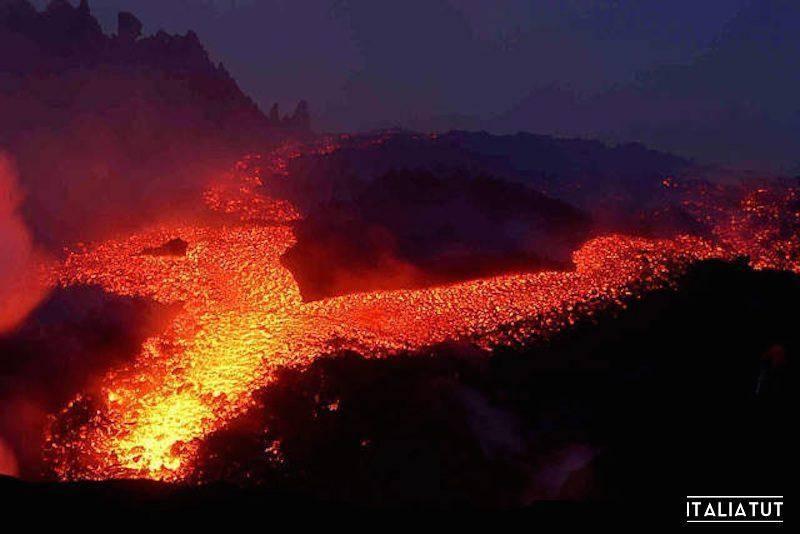 Действующий вулкан сицилии