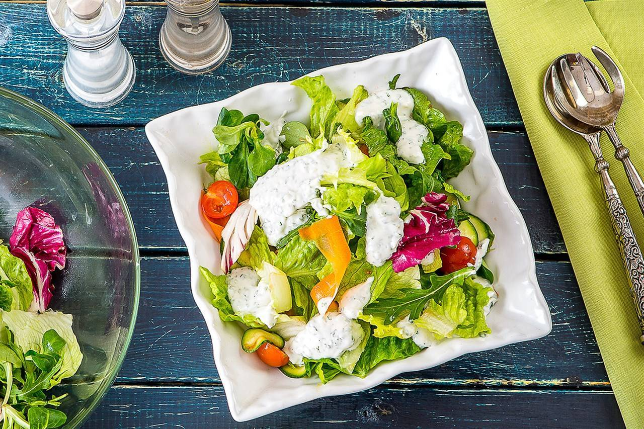 Чем заправляют греческий салат рецепт