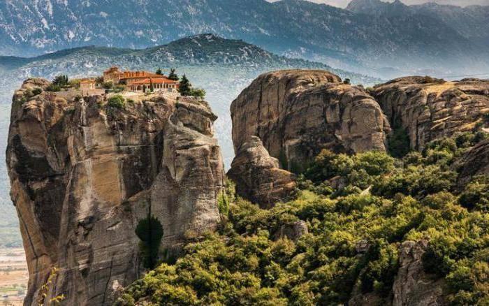 Как называется гора в греции