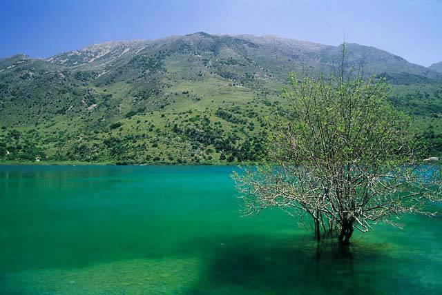 Озеро на крите