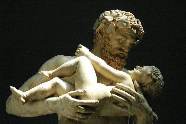 Скульптуры греческих богов