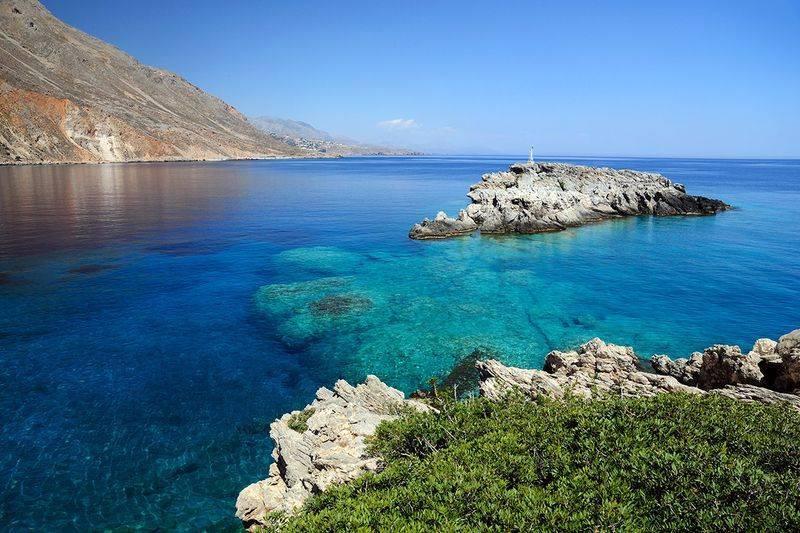 Какими морями омывается крит