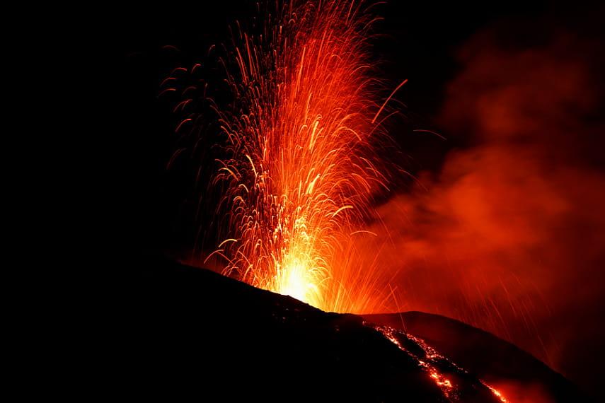 Извержение вулкана в италии сегодня